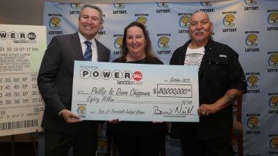 chippewa family accepting Powerball jackpot